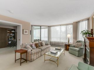 """Photo 4: 301 2189 W 42ND Avenue in Vancouver: Kerrisdale Condo for sale in """"GOVERNOR POINT"""" (Vancouver West)  : MLS®# R2098848"""