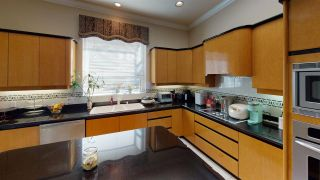 Photo 14: 1638 W 52ND Avenue in Vancouver: South Granville House for sale (Vancouver West)  : MLS®# R2561185
