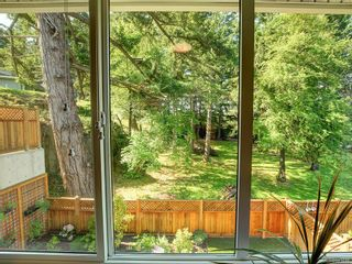 Photo 15: 959 Lobo Vale in Langford: La Happy Valley Row/Townhouse for sale : MLS®# 843446