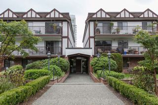 """Photo 19: 205 131 W 4TH Street in North Vancouver: Lower Lonsdale Condo for sale in """"Nottingham Place"""" : MLS®# R2003888"""
