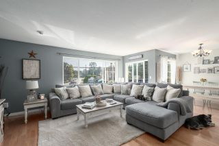 Photo 1: 1481 JUDD Road in Squamish: Brackendale 1/2 Duplex for sale : MLS®# R2497589