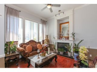 """Photo 3: 14861 74TH Avenue in Surrey: East Newton House for sale in """"CHIMNEY HEIGHTS"""" : MLS®# F1438528"""