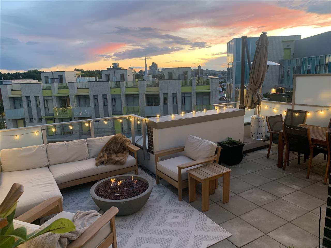 """Main Photo: 609 2508 WATSON Street in Vancouver: Mount Pleasant VE Condo for sale in """"THE INDEPENDENT"""" (Vancouver East)  : MLS®# R2462704"""