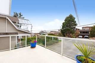 Photo 9: 988 STEVENS Street: House for sale in White Rock: MLS®# R2557973