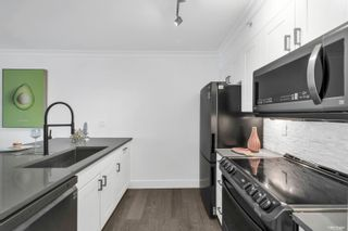"""Photo 4: 401 1818 WEST 6TH Avenue in Vancouver: Kitsilano Condo for sale in """"CARNEGIE"""" (Vancouver West)  : MLS®# R2618856"""