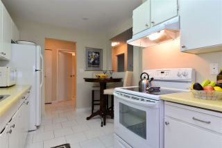 """Photo 8: 307 1740 SOUTHMERE Crescent in Surrey: Sunnyside Park Surrey Condo for sale in """"CAPSTAN WAY"""" (South Surrey White Rock)  : MLS®# R2198722"""