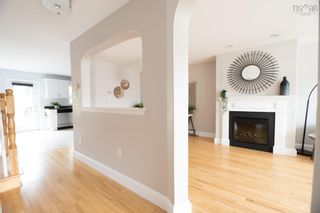 Photo 4: 52 Surrey Way in Dartmouth: 17-Woodlawn, Portland Estates, Nantucket Residential for sale (Halifax-Dartmouth)  : MLS®# 202119741