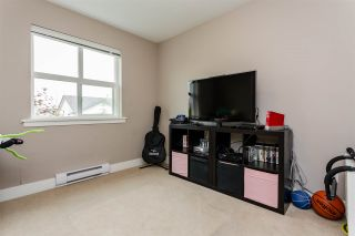 """Photo 18: 305 30525 CARDINAL Avenue in Abbotsford: Abbotsford West Condo for sale in """"Tamarind Westside"""" : MLS®# R2195619"""