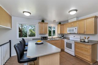 Photo 10: 1209 Camas Crt in Saanich: SE Lake Hill House for sale (Saanich East)  : MLS®# 844776