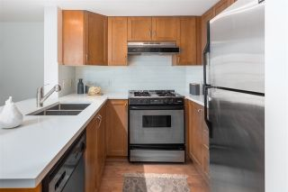 """Photo 11: 306 2161 W 12TH Avenue in Vancouver: Kitsilano Condo for sale in """"The Carlings"""" (Vancouver West)  : MLS®# R2319744"""