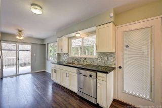 Photo 4: 2682 PARKWAY Drive in Surrey: King George Corridor House for sale (South Surrey White Rock)  : MLS®# R2578085