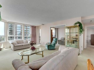 "Photo 5: 901 6152 KATHLEEN Avenue in Burnaby: Metrotown Condo for sale in ""THE EMBASSY"" (Burnaby South)  : MLS®# R2568817"