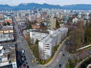 """Photo 16: 104 1445 MARPOLE Avenue in Vancouver: Fairview VW Condo for sale in """"Hycroft Towers"""" (Vancouver West)  : MLS®# R2554611"""