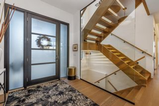 Photo 7: 32 Elveden Bay SW in Calgary: Springbank Hill Detached for sale : MLS®# A1124270