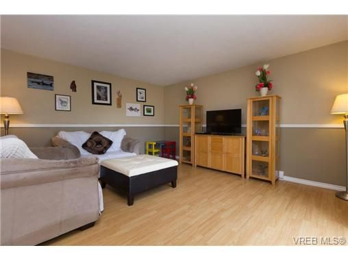 Photo 3: Photos: 23 10070 Fifth St in SIDNEY: Si Sidney North-East Row/Townhouse for sale (Sidney)  : MLS®# 739544