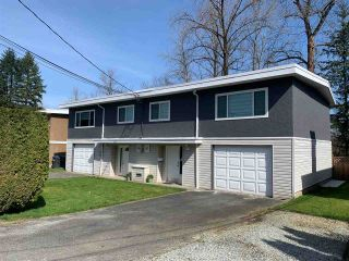 Photo 2: 3652 - 3654 ST. THOMAS Street in Port Coquitlam: Lincoln Park PQ Duplex for sale : MLS®# R2559803
