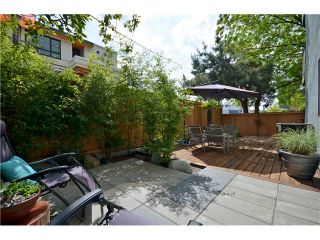 """Photo 1: 101 3150 PRINCE EDWARD Street in Vancouver: Mount Pleasant VE Condo for sale in """"PRINCE EDWARD PLACE"""" (Vancouver East)  : MLS®# V952029"""