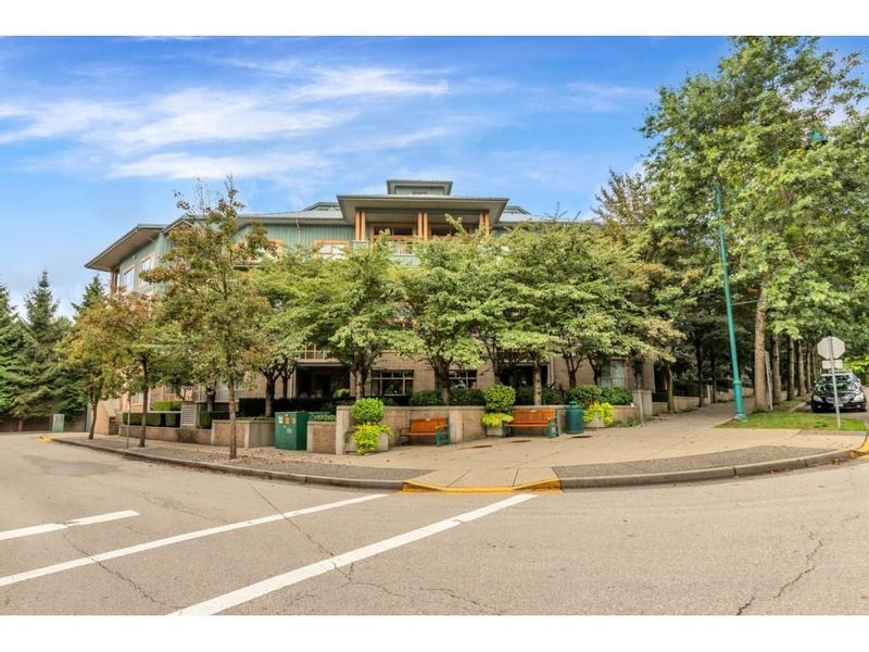 FEATURED LISTING: 403 - 285 NEWPORT Drive Port Moody