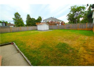 """Photo 13: 6017 189TH Street in Surrey: Cloverdale BC House for sale in """"CLOVERHILL"""" (Cloverdale)  : MLS®# F1423444"""