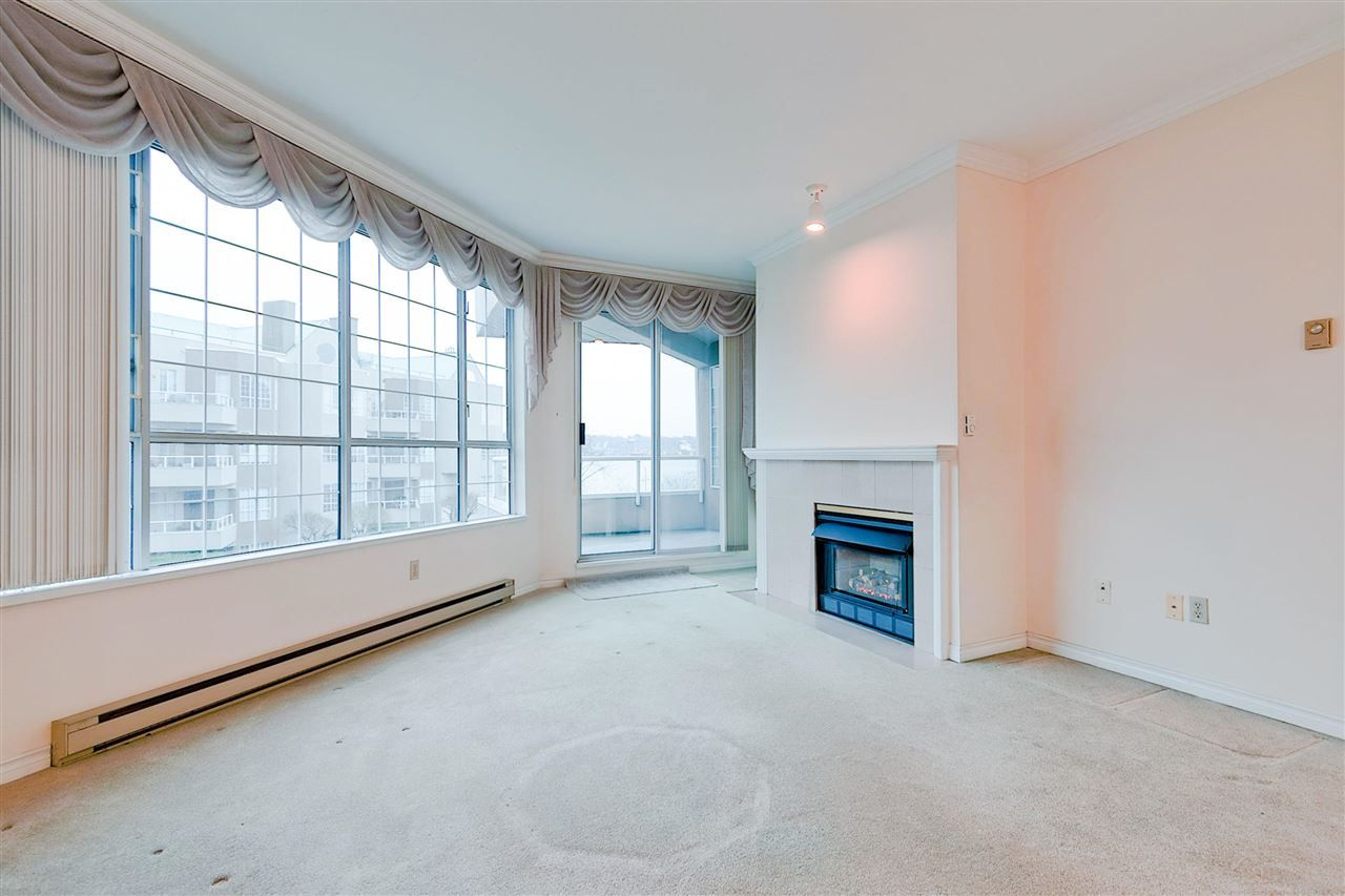 Photo 5: Photos: 316 1150 QUAYSIDE Drive in New Westminster: Quay Condo for sale : MLS®# R2329449