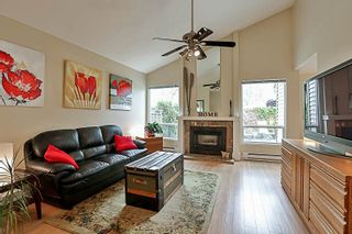 Photo 2: 6166 W GREENSIDE DRIVE in Surrey: Cloverdale BC Townhouse for sale (Cloverdale)  : MLS®# R2193459