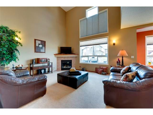 Photo 3: Photos: 21 MORNINGSIDE Bay SW: Airdrie House for sale : MLS®# C4011063