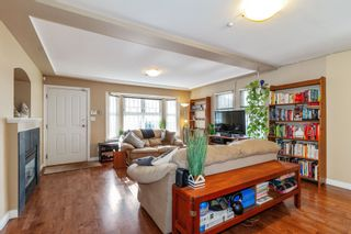 Photo 2: 1720 VENABLES Street in Vancouver: Grandview Woodland 1/2 Duplex for sale (Vancouver East)  : MLS®# R2540826