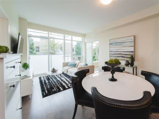 Photo 5: 202 63 W 2ND AVENUE in Vancouver: False Creek Condo for sale (Vancouver West)  : MLS®# R2278434