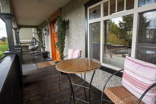 """Photo 3: 936 E 28TH Avenue in Vancouver: Fraser VE House for sale in """"FRASER"""" (Vancouver East)  : MLS®# R2624690"""