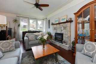 Photo 2: 3340 Mary Anne Cres in : Co Triangle House for sale (Colwood)  : MLS®# 876484