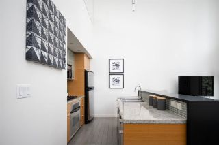 Photo 6: 301 29 SMITHE MEWS in Vancouver: Yaletown Condo for sale (Vancouver West)  : MLS®# R2411644