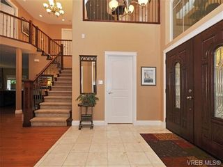 Photo 2: 5063 Clutesi St in VICTORIA: SE Cordova Bay House for sale (Saanich East)  : MLS®# 684527