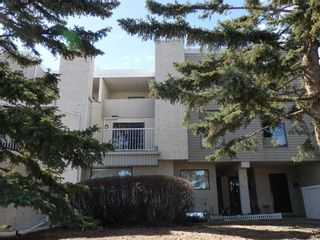 Photo 1: 3500 Varsity Drive NW in Calgary: Varsity House for sale