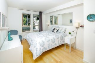 "Photo 12: 2575 EAST Mall in Vancouver: University VW Townhouse for sale in ""LOGAN LANE"" (Vancouver West)  : MLS®# R2302222"