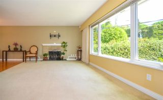 Photo 3: 1579 ELINOR CRESCENT in Port Coquitlam: Mary Hill House for sale : MLS®# R2456404