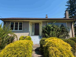 Photo 2: 234 W ST. JAMES Road in North Vancouver: Upper Lonsdale House for sale : MLS®# R2600090