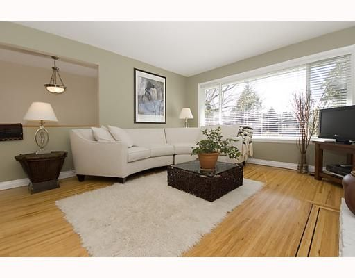 Photo 3: Photos: 316 W 21ST Street in North_Vancouver: Central Lonsdale House for sale (North Vancouver)  : MLS®# V760517
