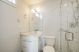 """Photo 9: 401 19940 BRYDON Crescent in Langley: Langley City Condo for sale in """"BRYDON GREEN"""" : MLS®# R2505294"""
