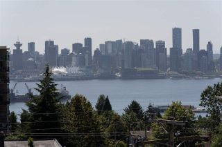 """Photo 7: PH10 1288 CHESTERFIELD Avenue in North Vancouver: Central Lonsdale Condo for sale in """"Alina"""" : MLS®# R2479203"""