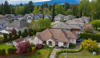 Photo 2: 3003 NECHAKO Crescent in Port Coquitlam: Riverwood House for sale : MLS®# R2466530