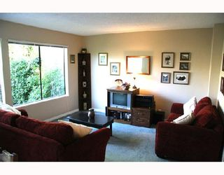 Photo 3: 3026 MAPLEBROOK Place in Coquitlam: Meadow Brook 1/2 Duplex for sale : MLS®# V716673