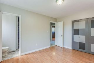 Photo 32: 973 Weaver Pl in Langford: La Walfred House for sale : MLS®# 850635