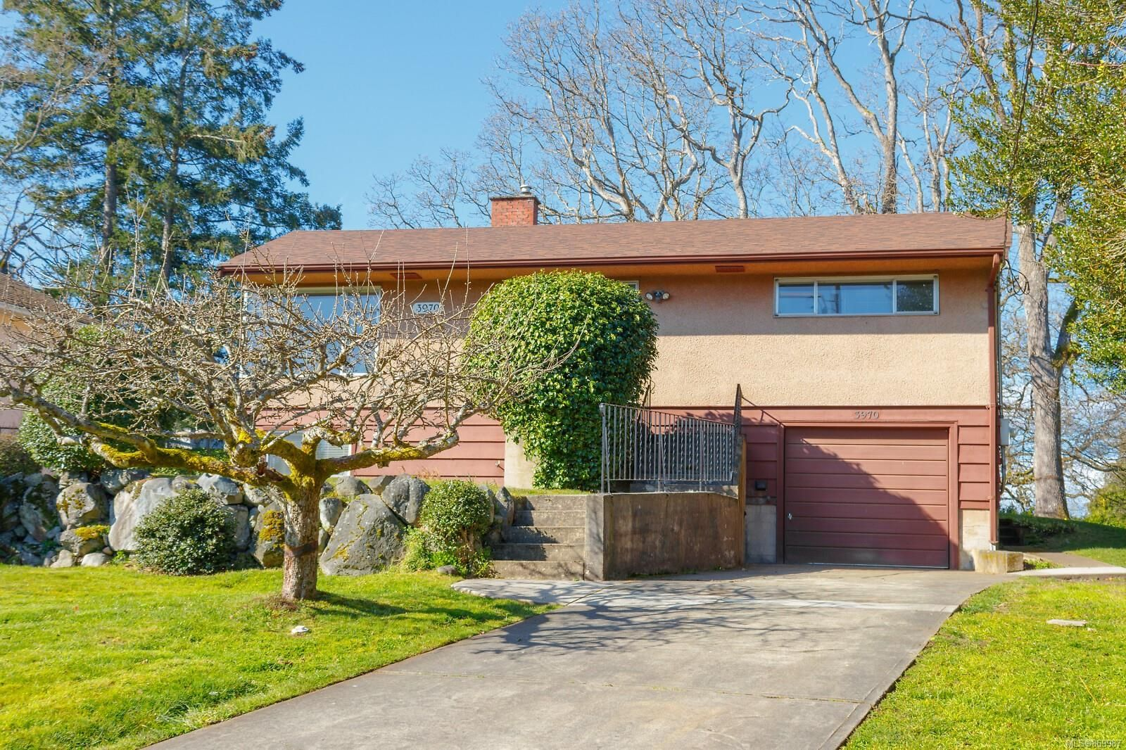 Main Photo: 3970 Bow Rd in : SE Mt Doug House for sale (Saanich East)  : MLS®# 869987