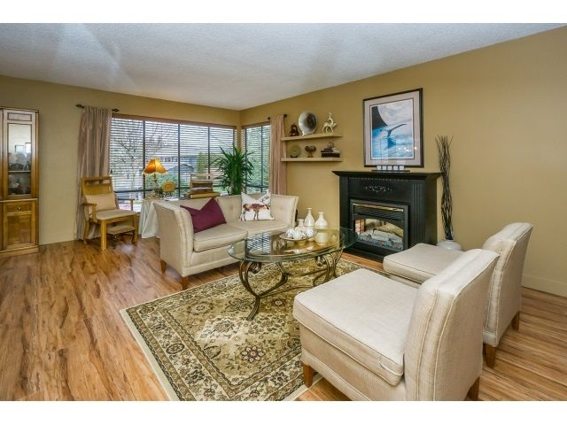 Photo 6: Photos: 5926 183 Street in Surrey: Cloverdale BC House for sale : MLS®# R2028252
