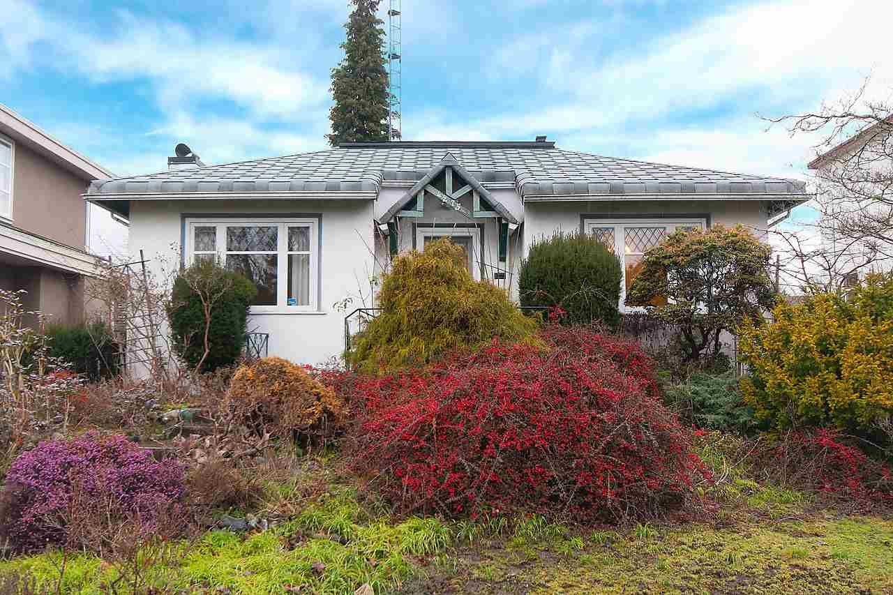 "Main Photo: 4275 W 15TH Avenue in Vancouver: Point Grey House for sale in ""Point Grey"" (Vancouver West)  : MLS®# R2032108"