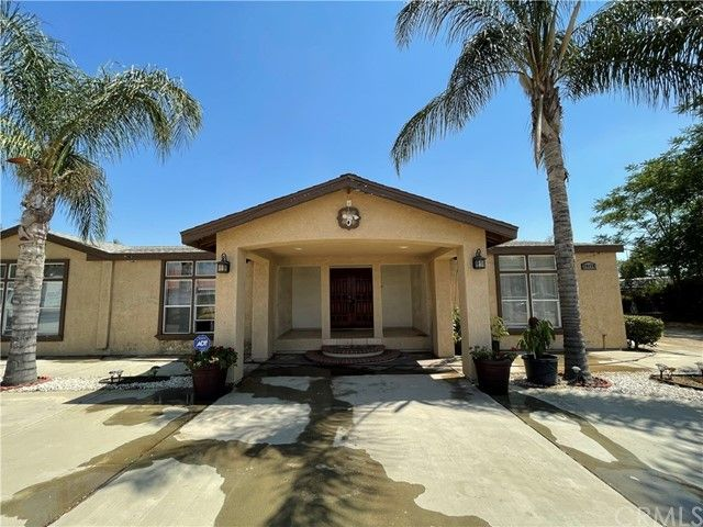 Main Photo: Manufactured Home for sale : 4 bedrooms : 29179 Alicante Drive in Menifee