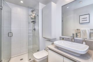 "Photo 2: 303 2141 E HASTINGS Street in Vancouver: Hastings Sunrise Condo for sale in ""The Oxford"" (Vancouver East)  : MLS®# R2431561"