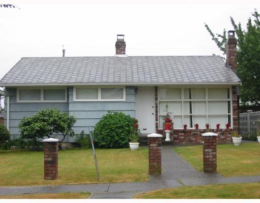 """Main Photo: 2430 BONNYVALE Avenue in Vancouver: Fraserview VE House for sale in """"Fraserview"""" (Vancouver East)  : MLS®# V776075"""