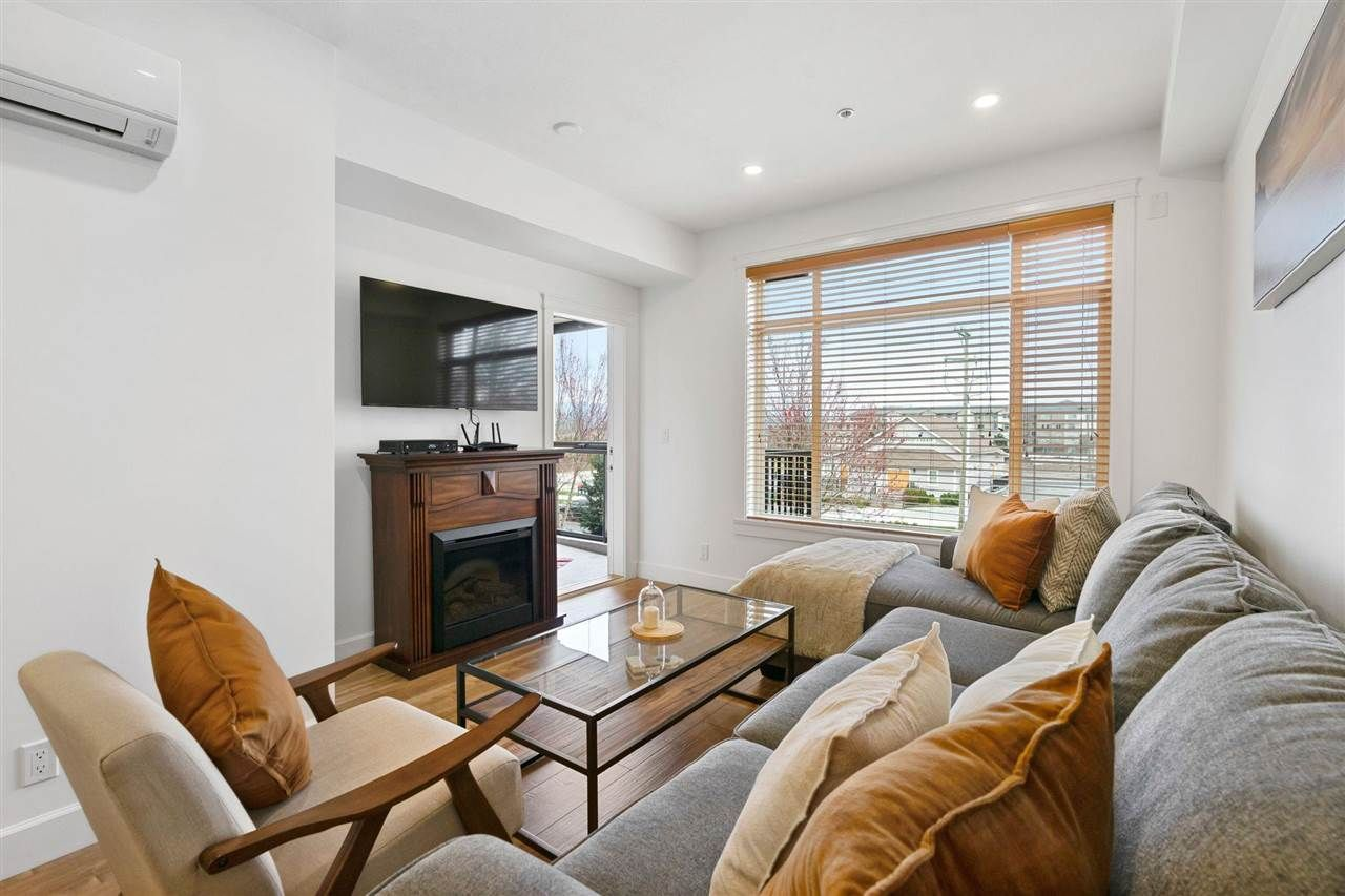 """Main Photo: 386 8288 207A Street in Langley: Willoughby Heights Condo for sale in """"Yorkson Creek"""" : MLS®# R2582373"""