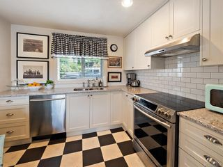 Photo 12: 103 1060 Southgate St in Victoria: Vi Fairfield West Condo for sale : MLS®# 844244